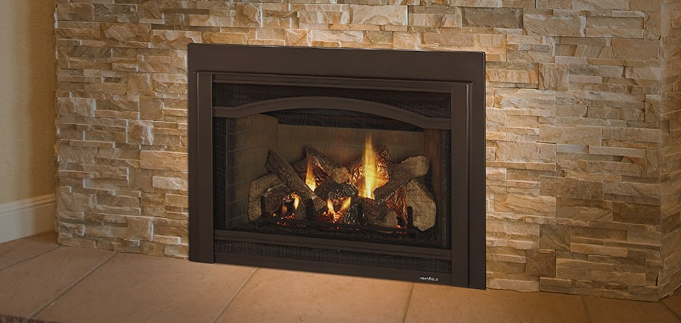 Grand-I35 Gas Insert with Arcadia front in new bronze and brick refractory