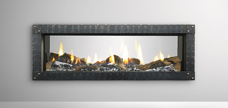 MEZZO48ST with Loft Forge front, ice fog glass and log set